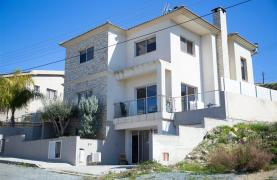 Spacious 4 Bedroom House in Agios Athanasios - 3