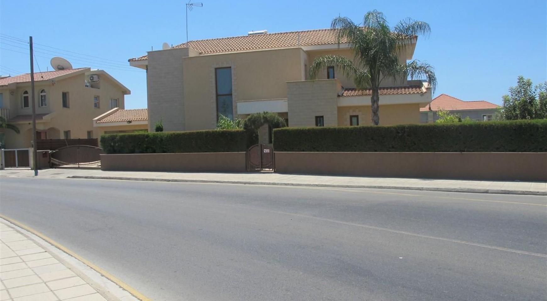 Spacious 5 Bedroom Villa in Potamos Germasogeia - 3