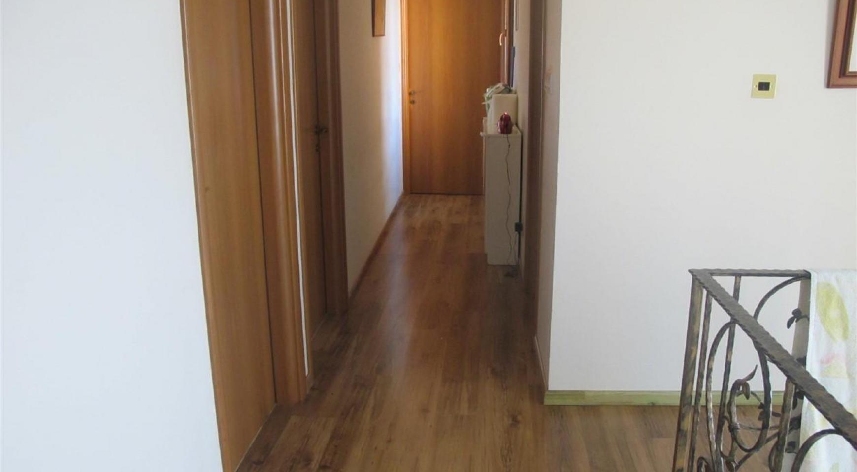 Spacious 5 Bedroom Villa in Potamos Germasogeia - 21