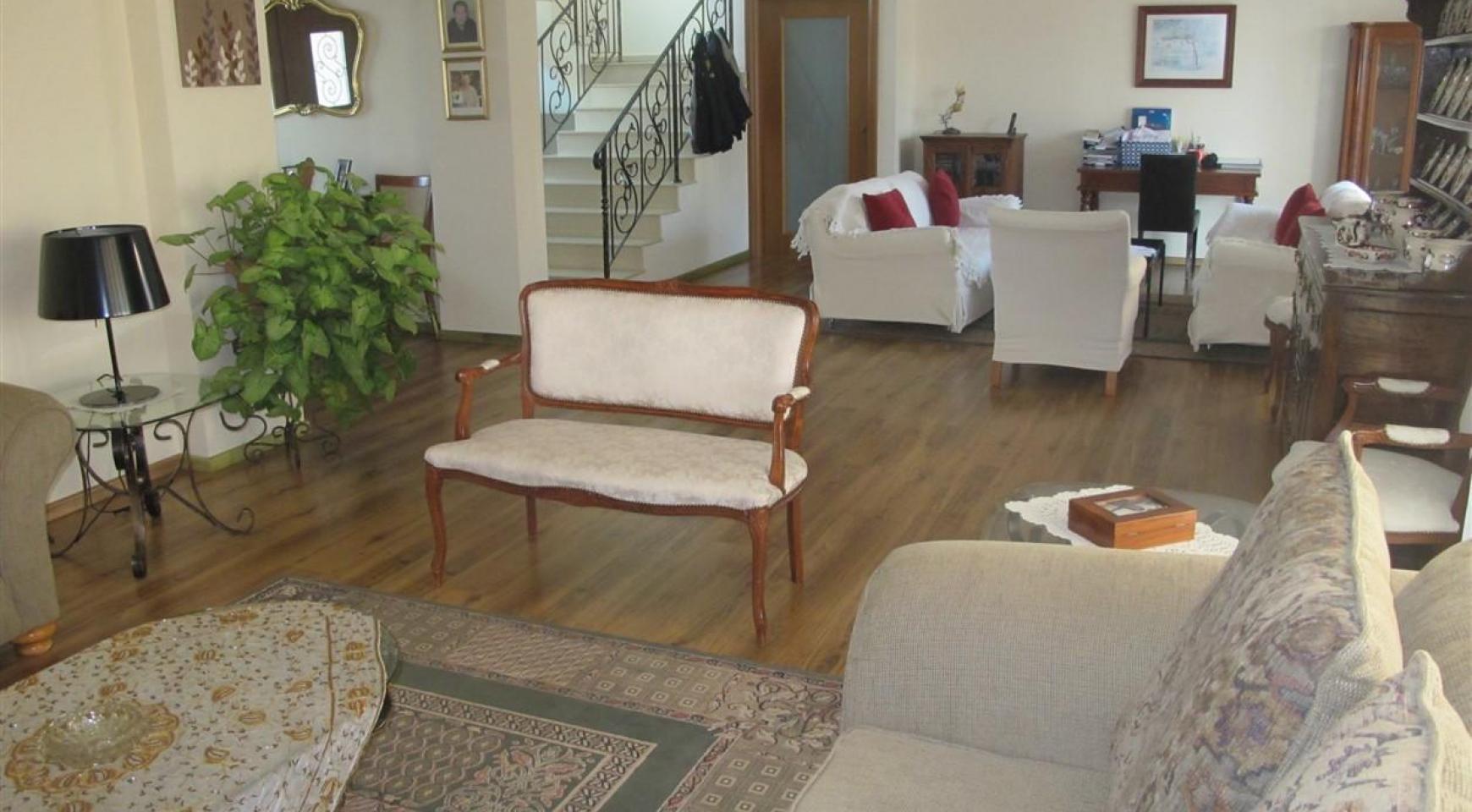 Spacious 5 Bedroom Villa in Potamos Germasogeia - 11