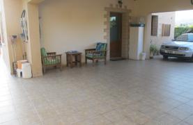 Spacious 5 Bedroom Villa in Potamos Germasogeia - 41