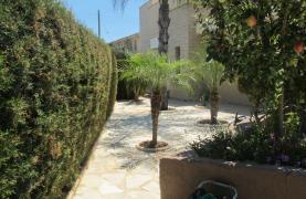 Spacious 5 Bedroom Villa in Potamos Germasogeia - 39