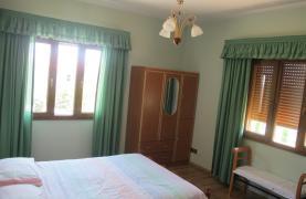 Spacious 5 Bedroom Villa in Potamos Germasogeia - 52