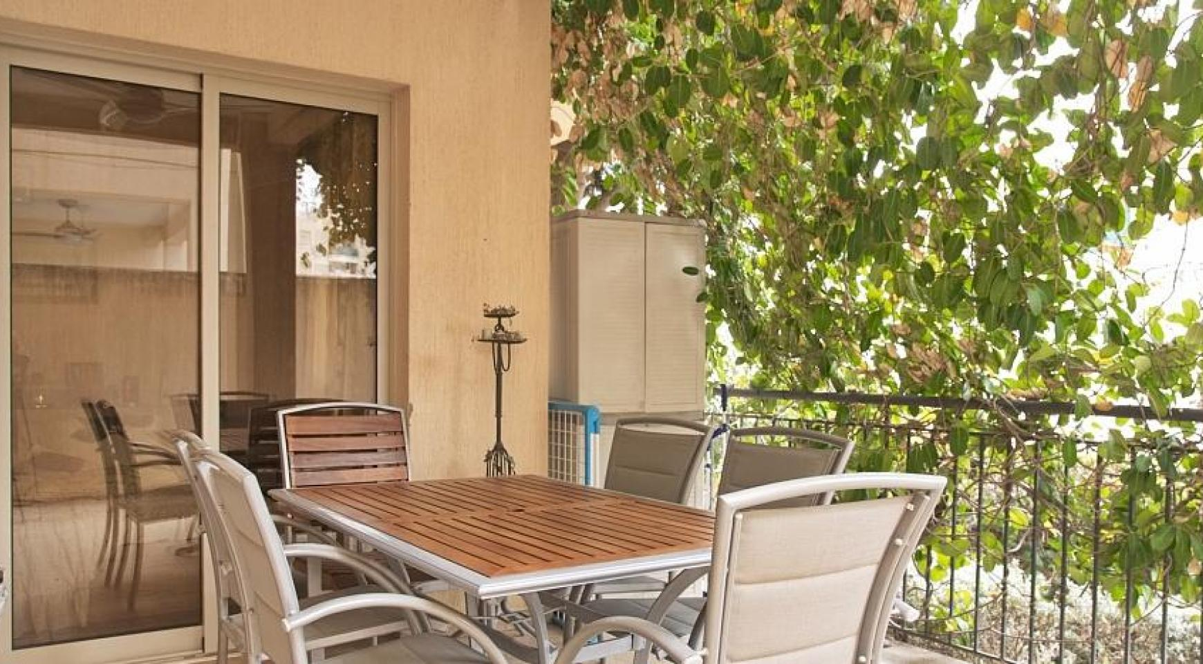 SPECIAL OFFER! 2 Bedroom Apartment with Private Garden - 4