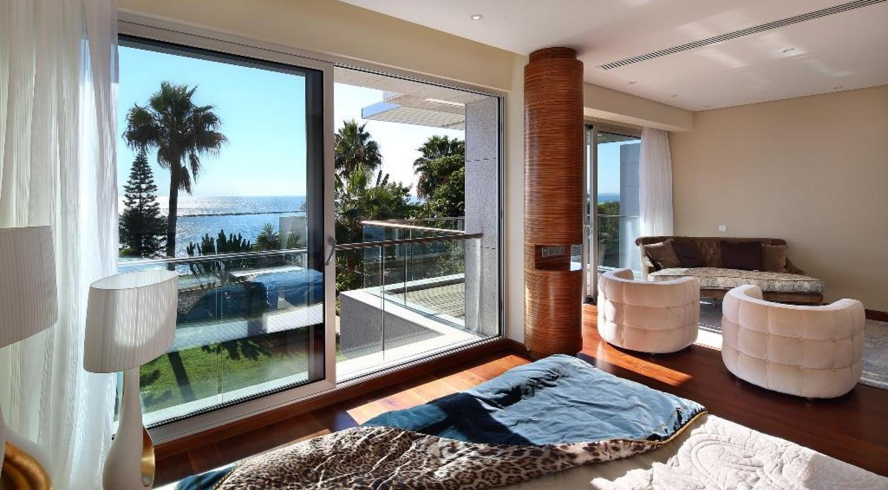 Exclusive 4 Bedroom Apartment with Sea Views - 5