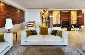 Exclusive 4 Bedroom Apartment with Sea Views - 14
