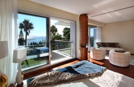 Exclusive 3 Bedroom Apartment with Sea Views - 17