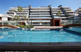 Exclusive 3 Bedroom Apartment with Sea Views - 13