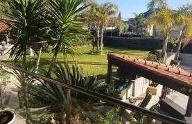 Spacious 4 Bedroom Villa with Beautiful Views - 26
