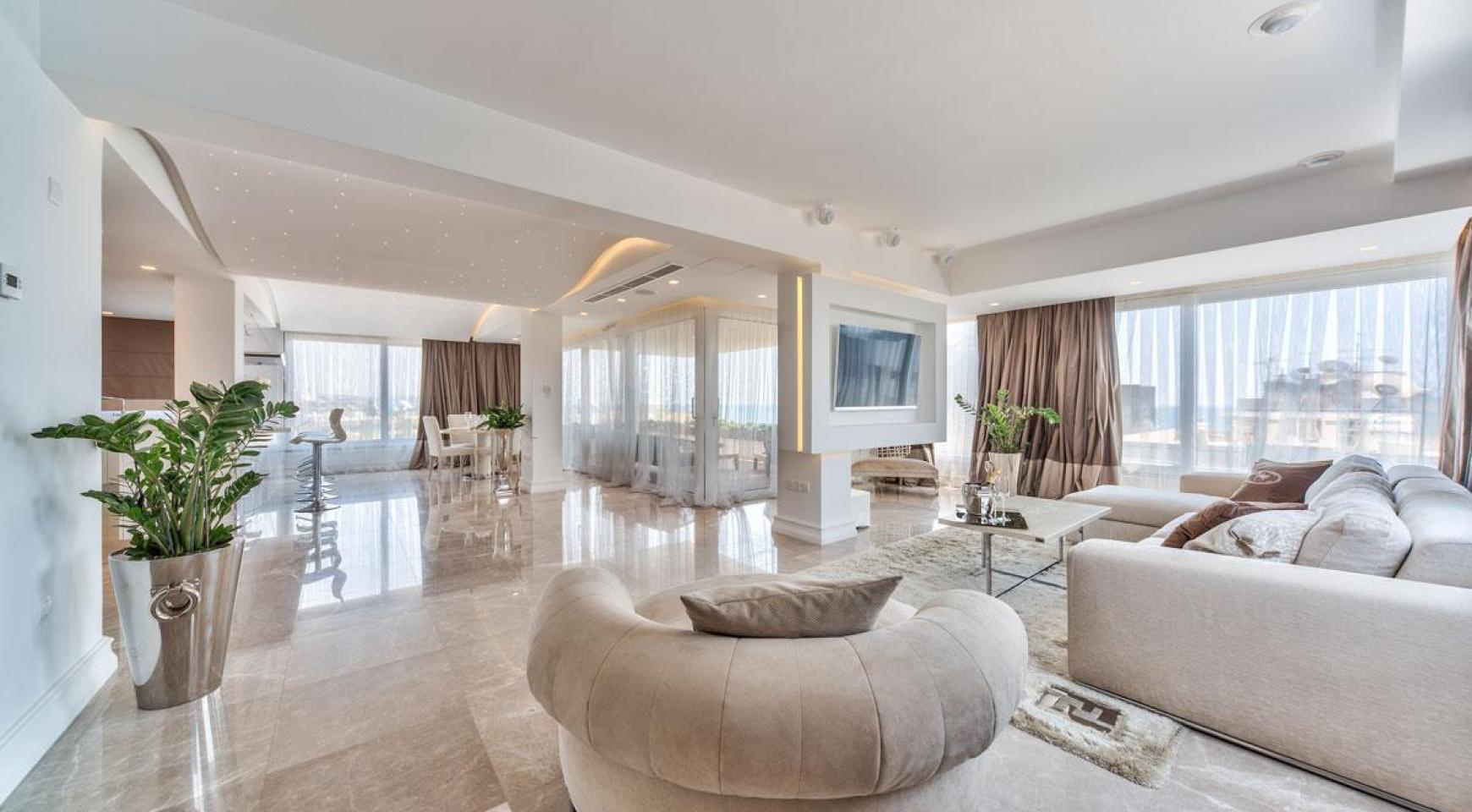 Malibu Residence. Contemporary 2 Bedroom Apartment in Potamos Germasogeia - 9