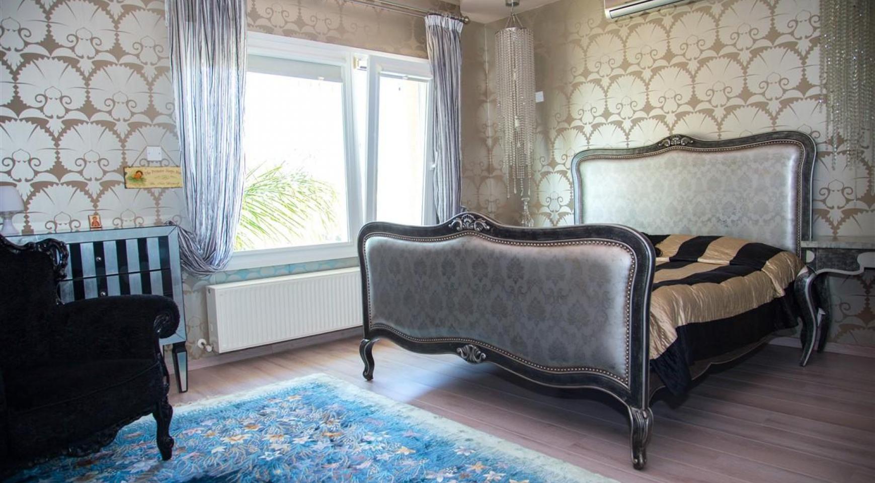 Unique 5 Bedroom Villa with Breathtaking Sea Views - 24
