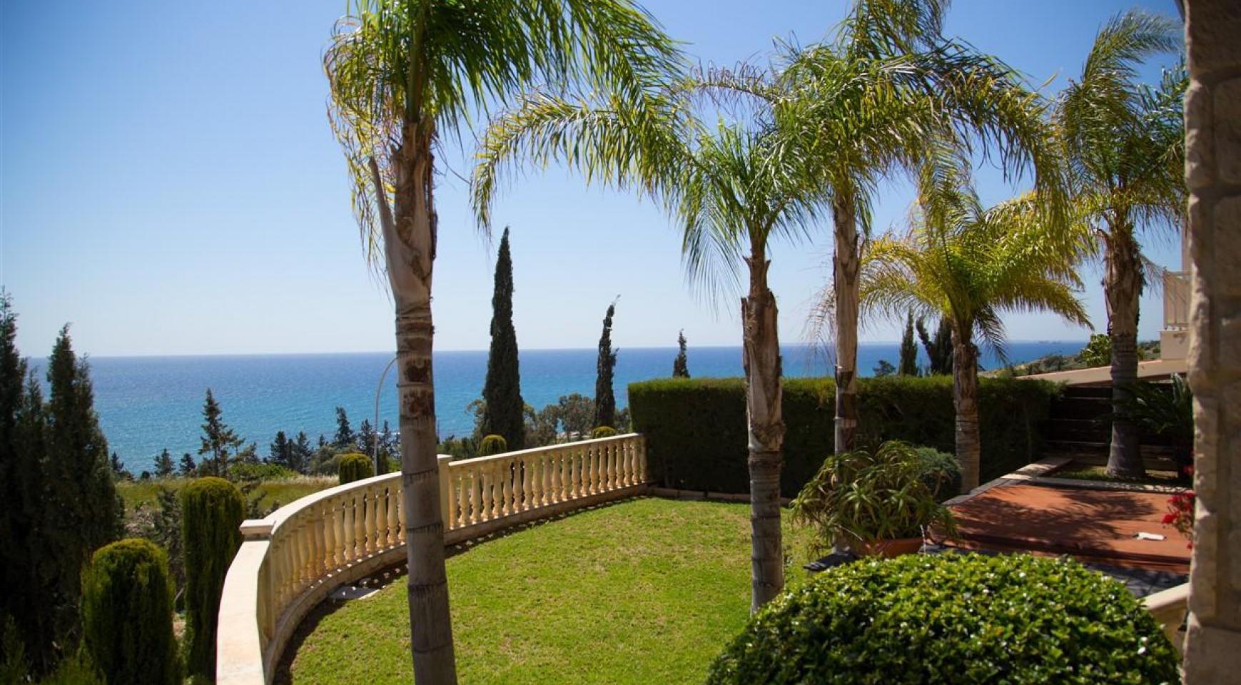 Unique 5 Bedroom Villa with Breathtaking Sea Views - 2