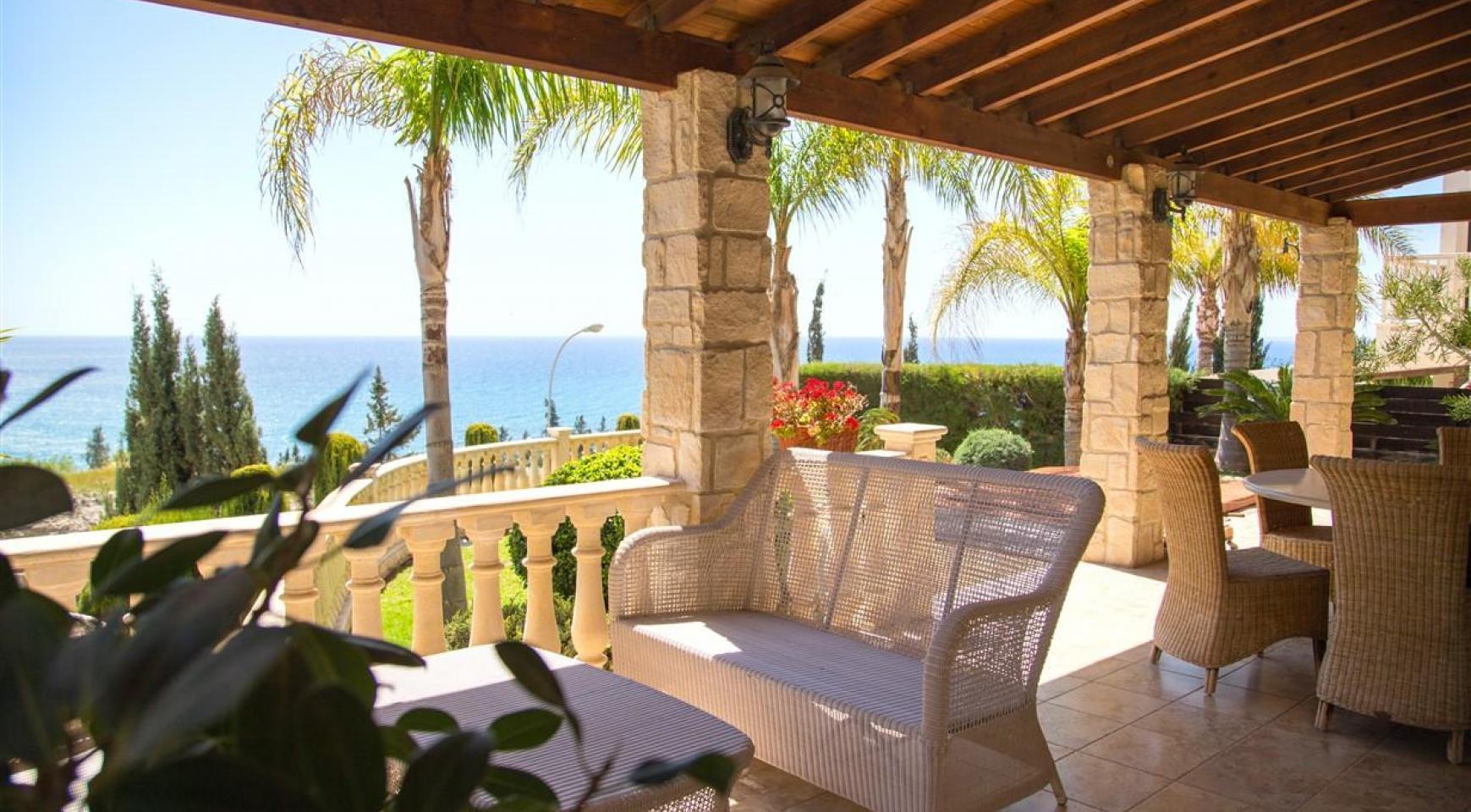 Unique 5 Bedroom Villa with Breathtaking Sea Views - 5