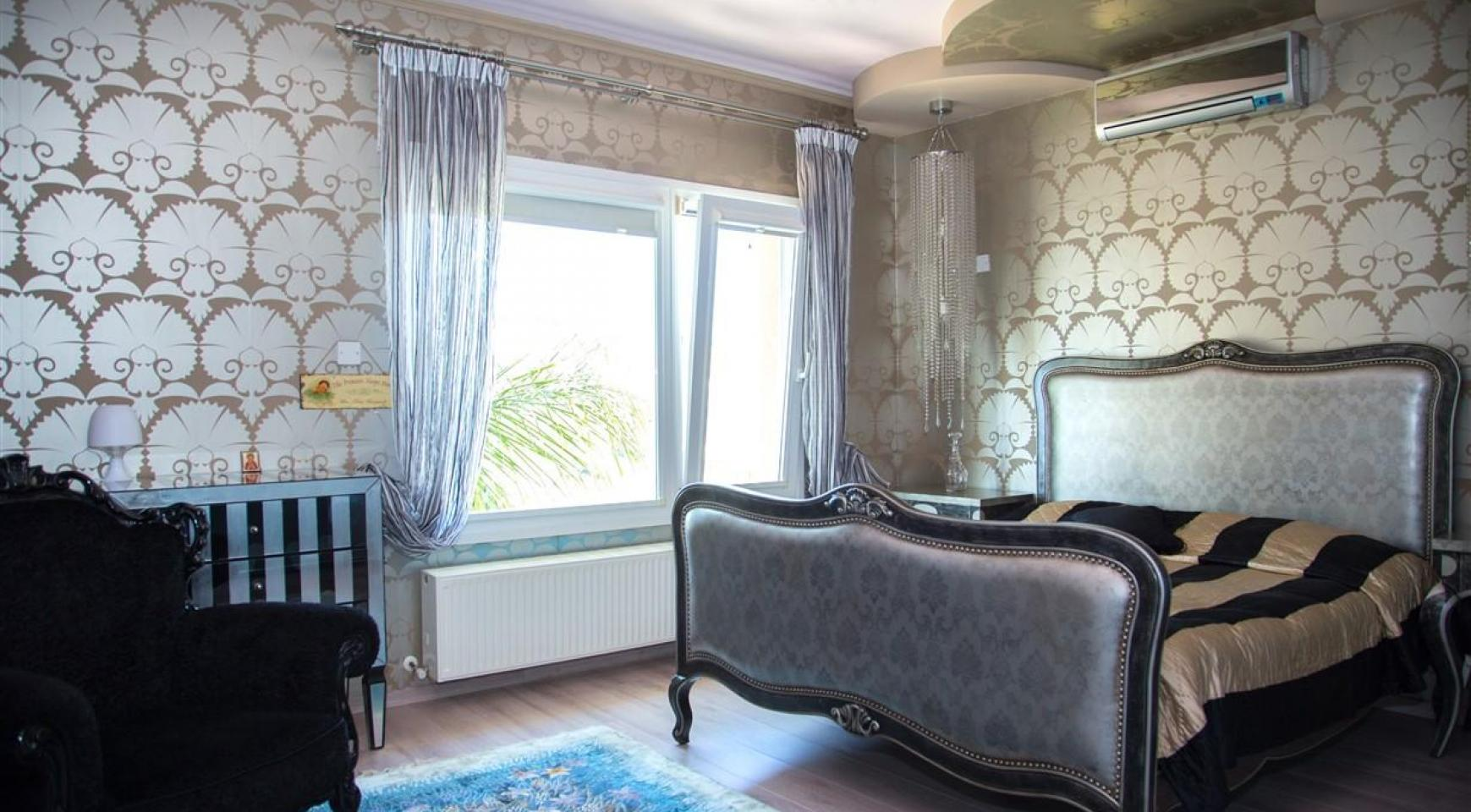 Unique 5 Bedroom Villa with Breathtaking Sea Views - 21