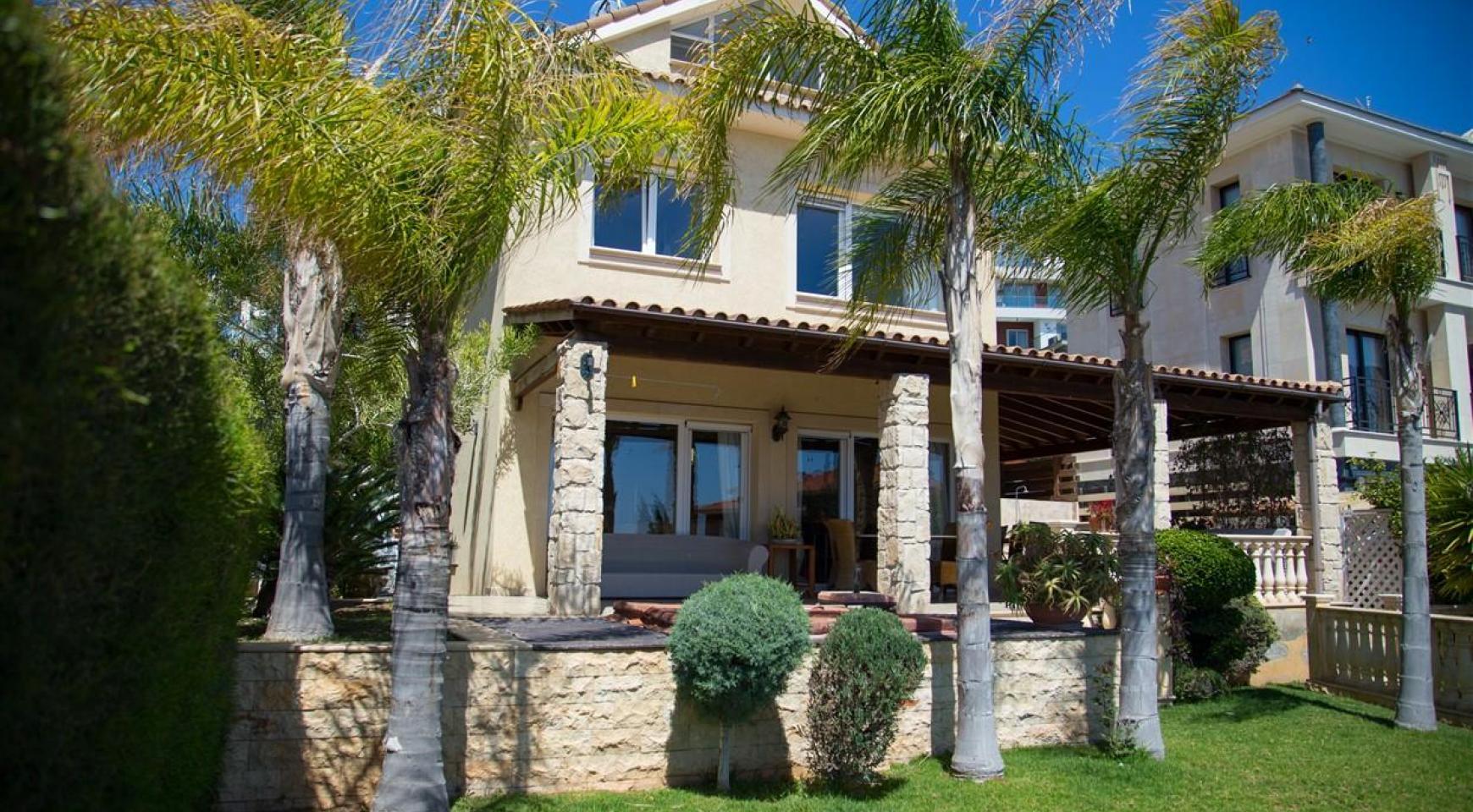 Unique 5 Bedroom Villa with Breathtaking Sea Views - 7