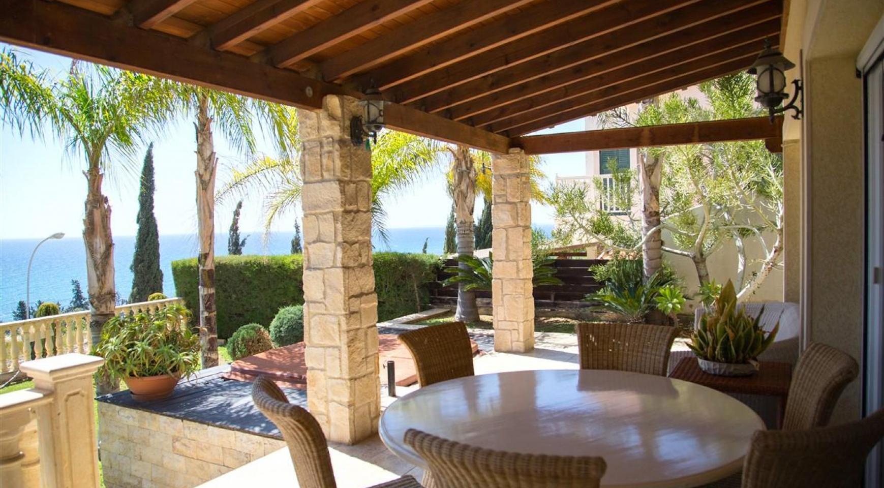 Unique 5 Bedroom Villa with Breathtaking Sea Views - 6