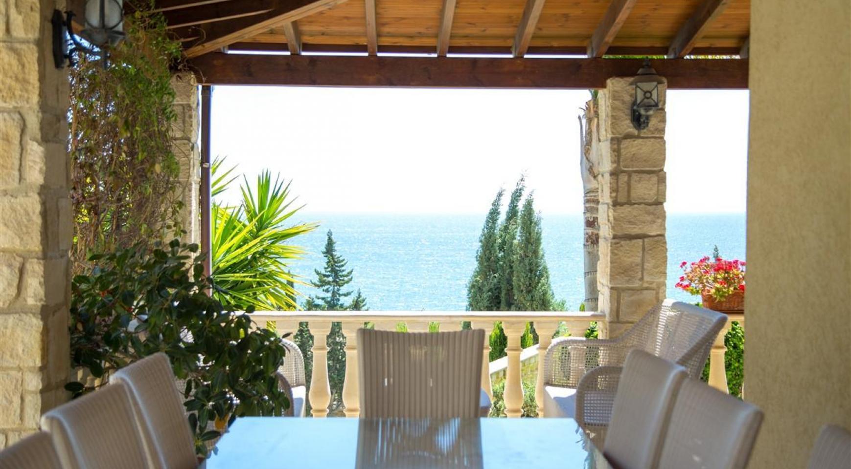 Unique 5 Bedroom Villa with Breathtaking Sea Views - 1