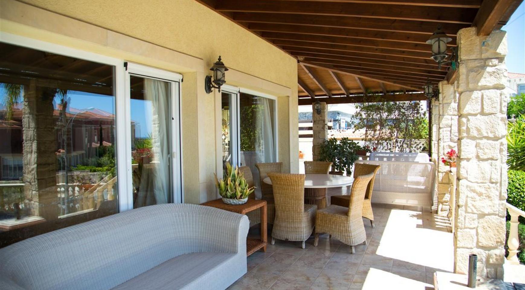 Unique 5 Bedroom Villa with Breathtaking Sea Views - 30