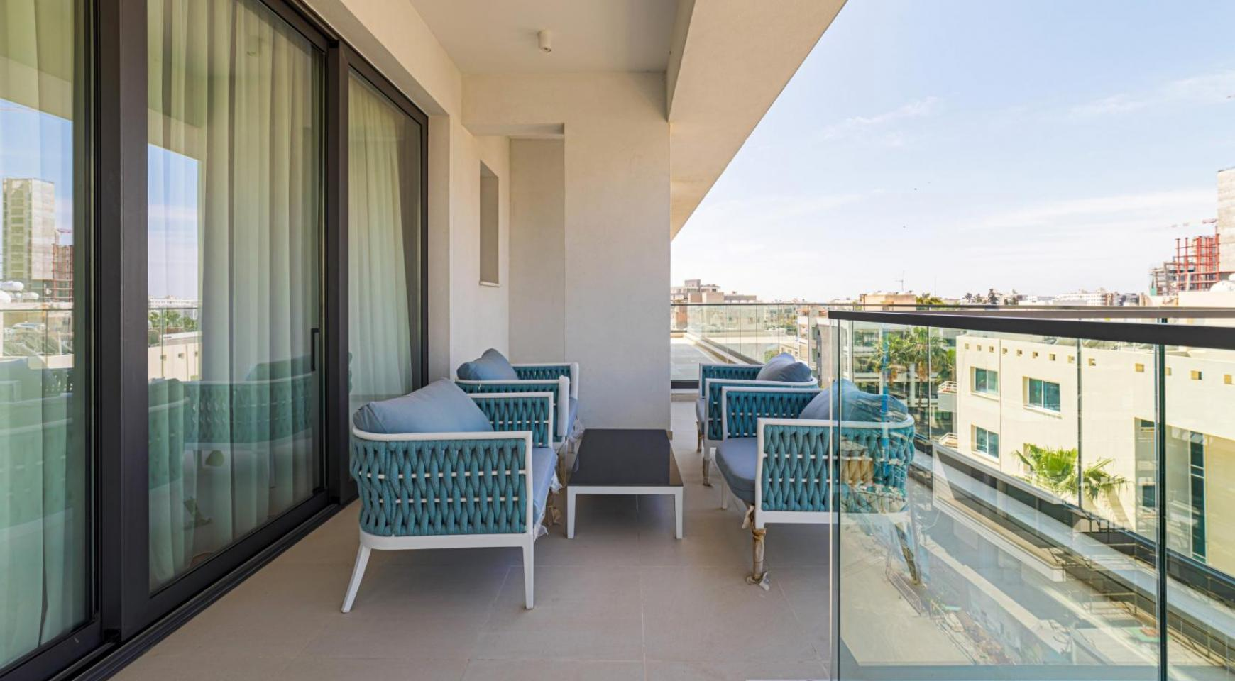 Malibu Residence. Luxury 3 Bedroom Penthouse 401 with Private Swimming Pool - 34