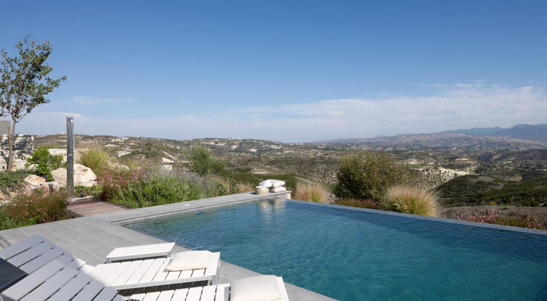 Golf Property - Exclusive 3 Bedroom Villa with Stunning Views - 10