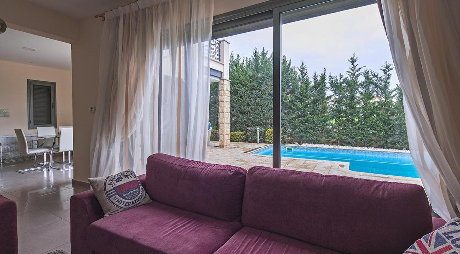 Luxury 4 Bedroom Villa near the Sea - 5