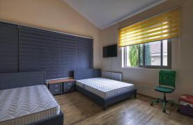 Luxury 4 Bedroom Villa near the Sea - 32