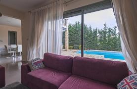 Luxury 4 Bedroom Villa near the Sea - 27