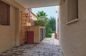 Luxury 4 Bedroom Villa near the Sea - 44