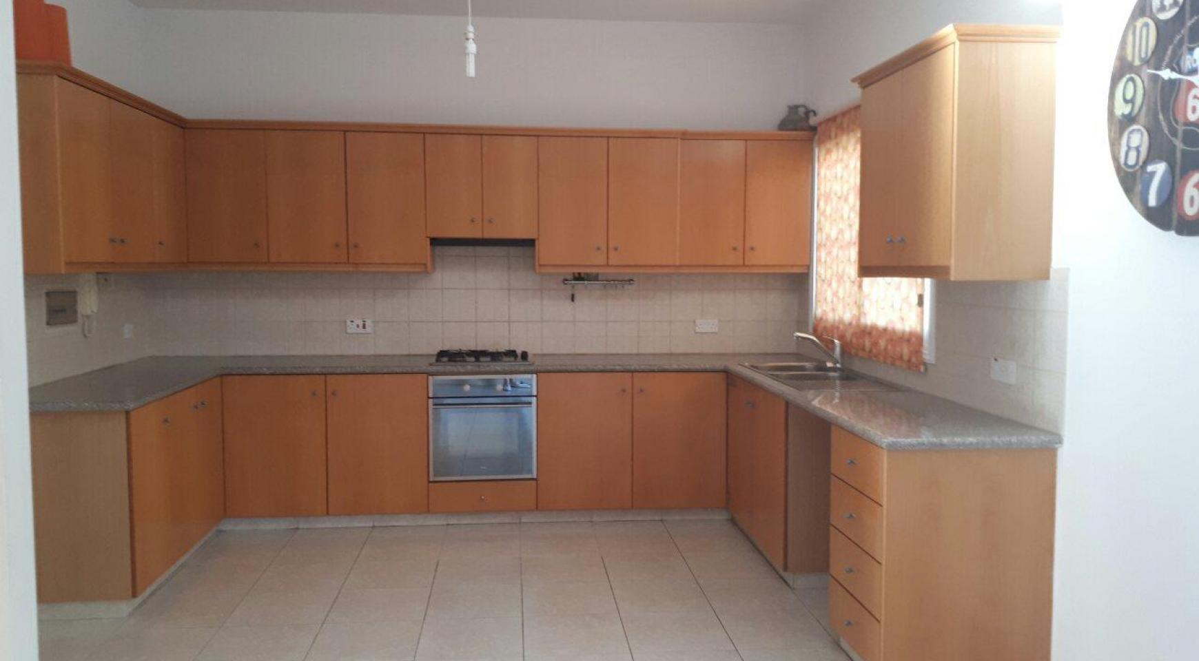 Spacious 3 Bedroom House in Kolossi - 10
