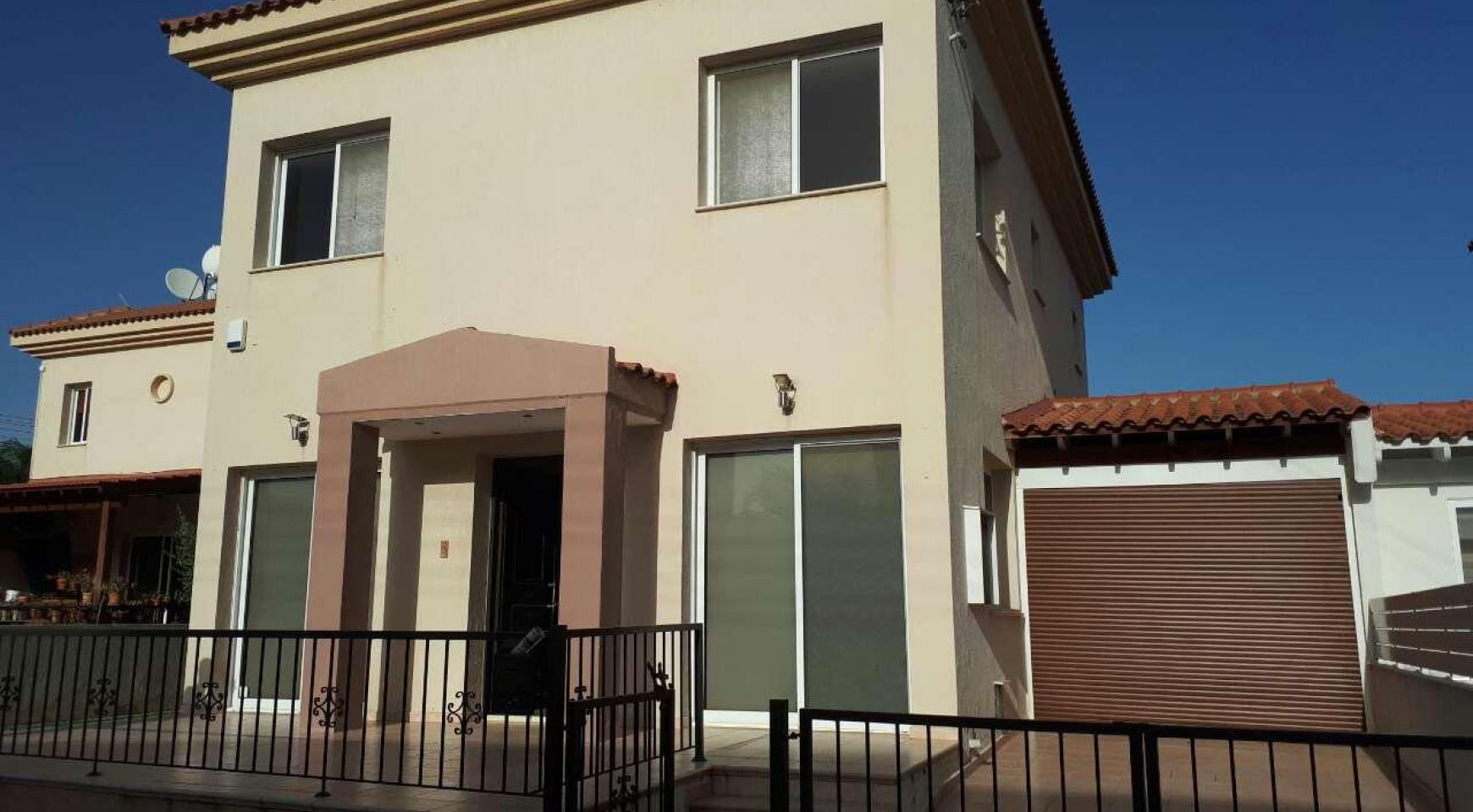 Spacious 3 Bedroom House in Kolossi - 1