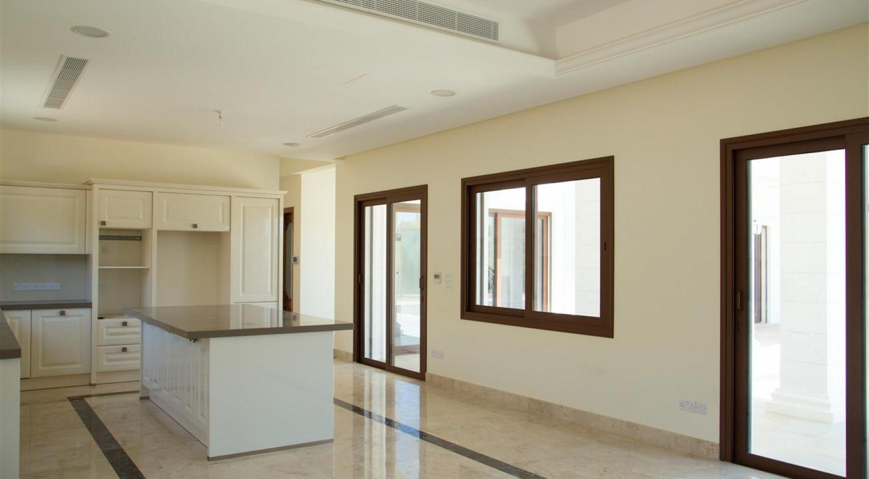 Exclusive 6 Bedroom Villa with Amazing Sea and Mountain Views - 9