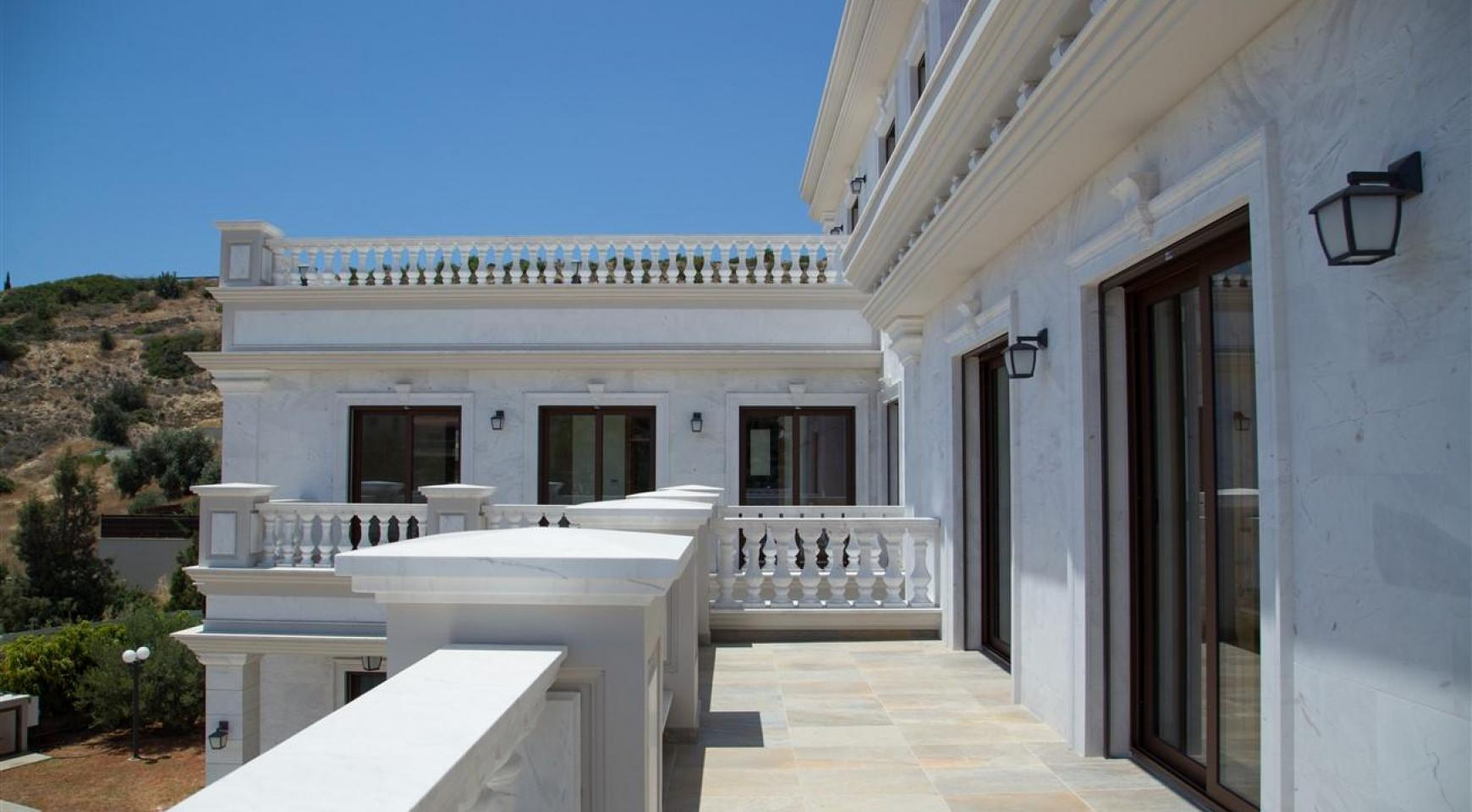 Exclusive 6 Bedroom Villa with Amazing Sea and Mountain Views - 39