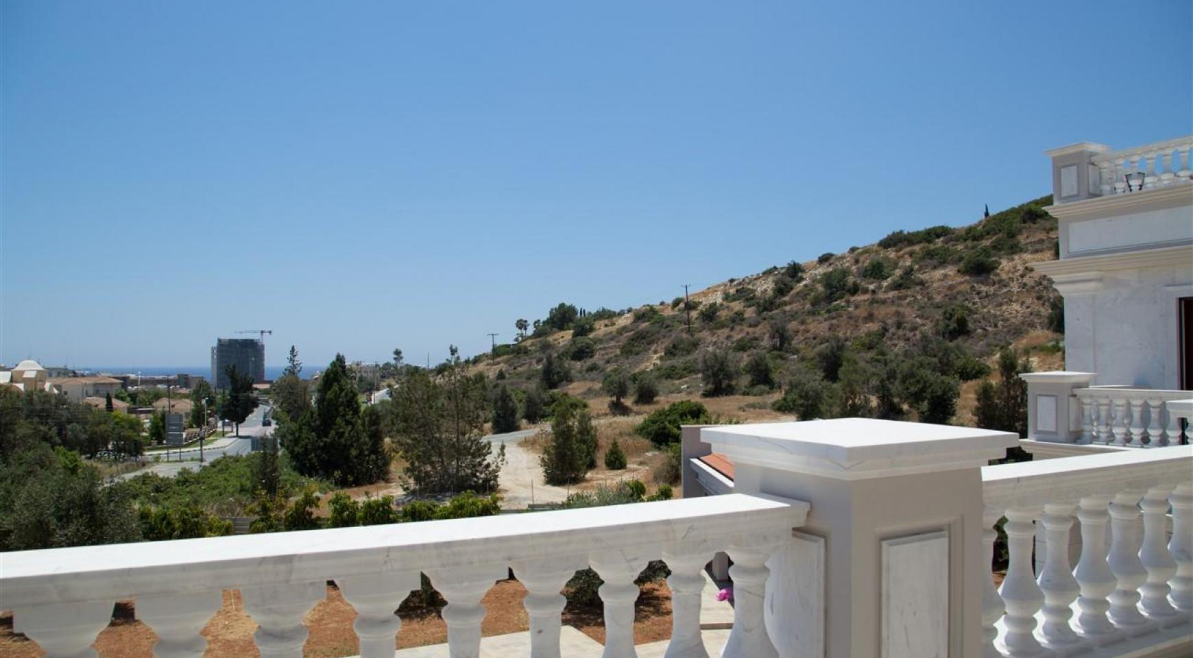 Exclusive 6 Bedroom Villa with Amazing Sea and Mountain Views - 35