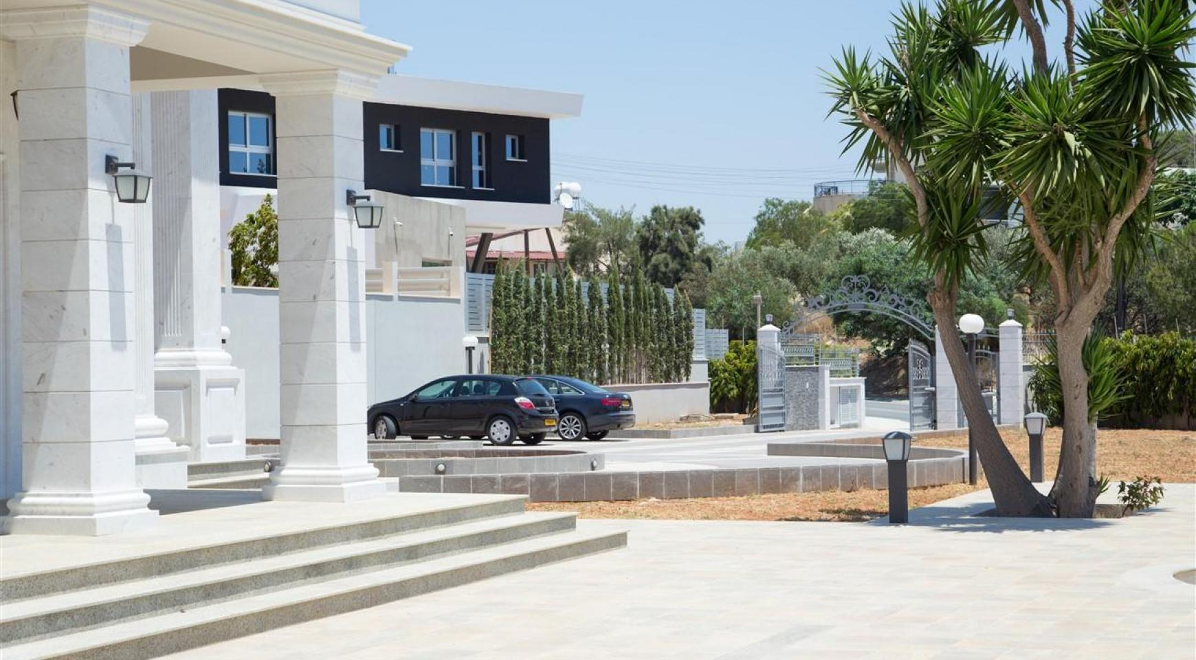 Exclusive 6 Bedroom Villa with Amazing Sea and Mountain Views - 56