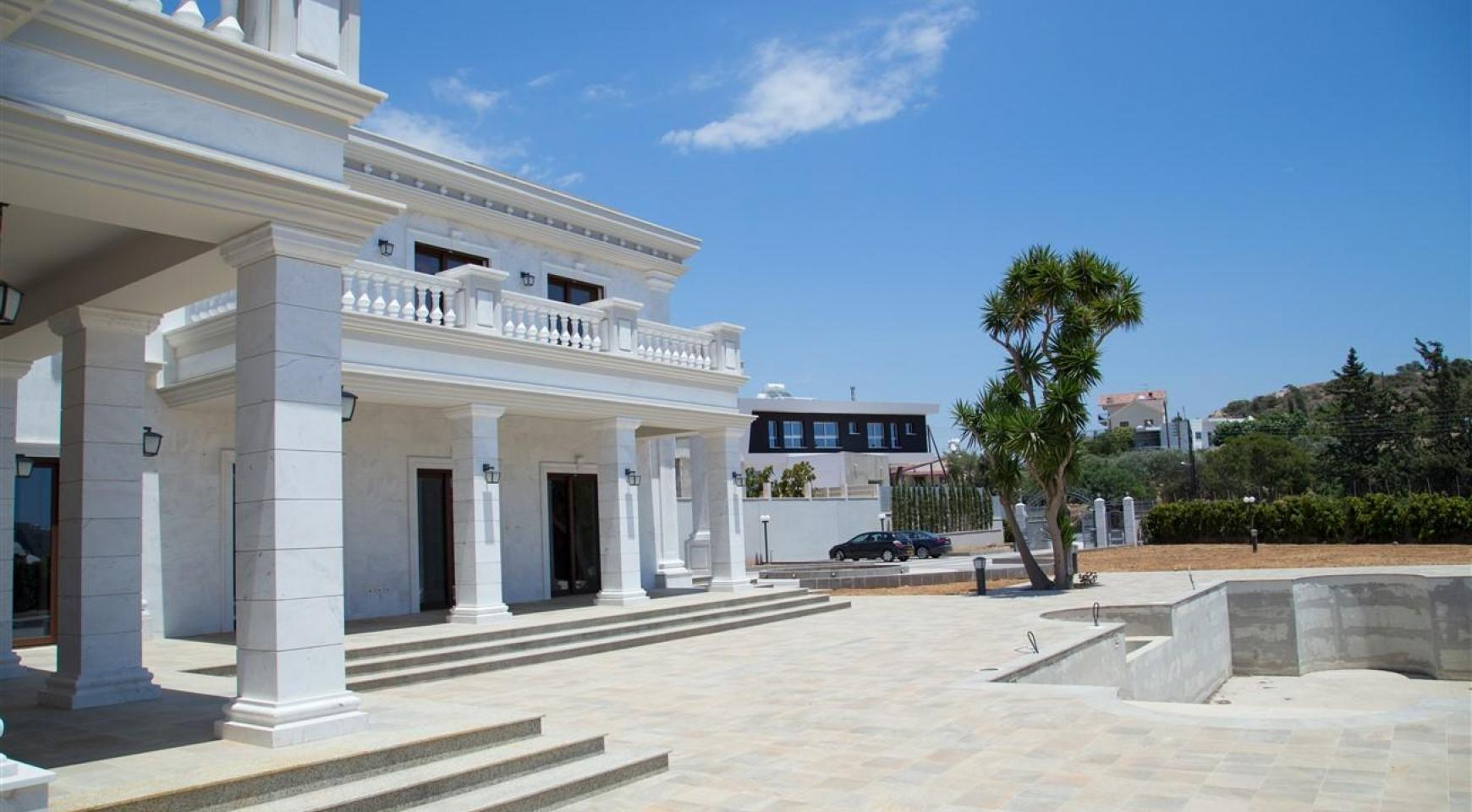 Exclusive 6 Bedroom Villa with Amazing Sea and Mountain Views - 47