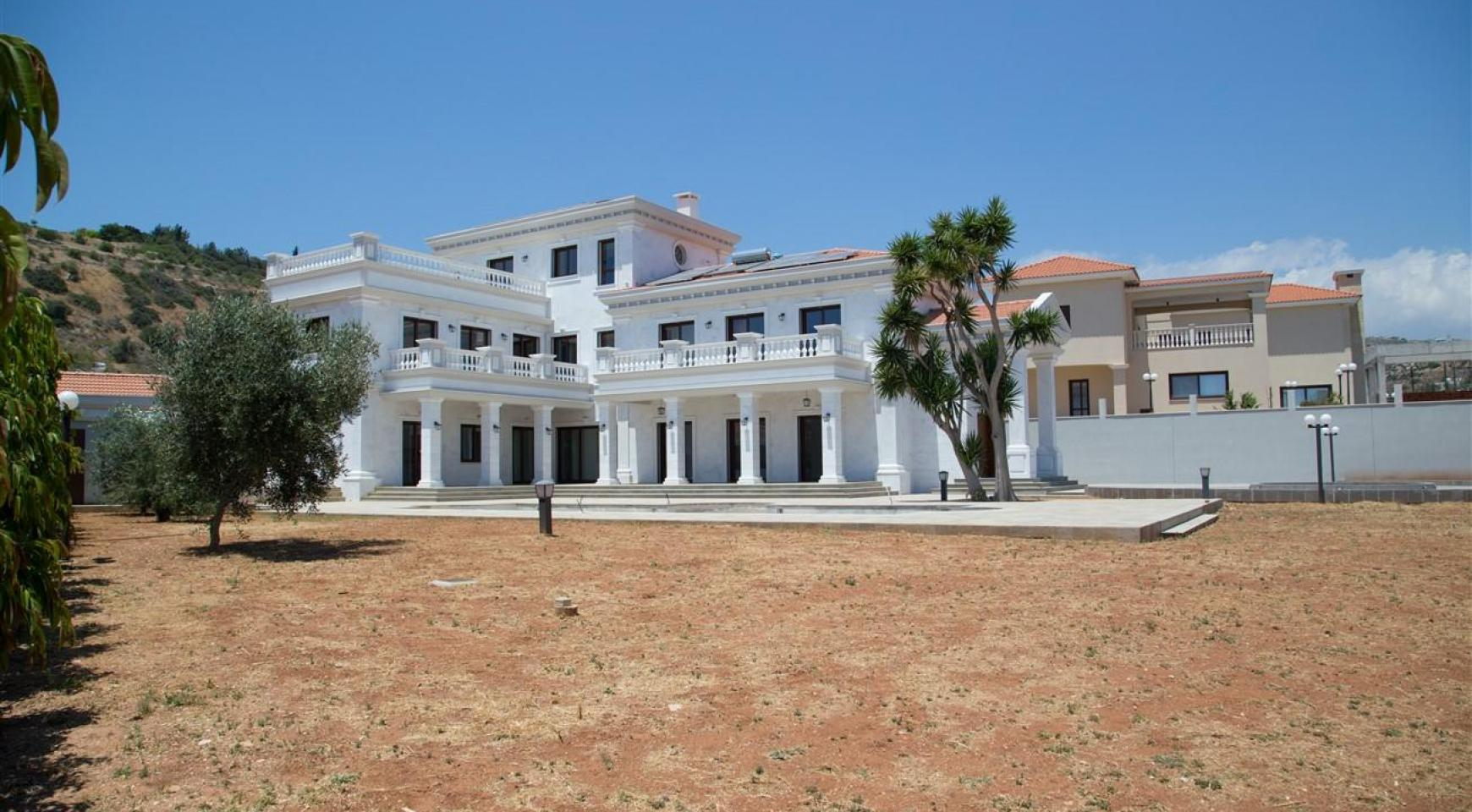 Exclusive 6 Bedroom Villa with Amazing Sea and Mountain Views - 50