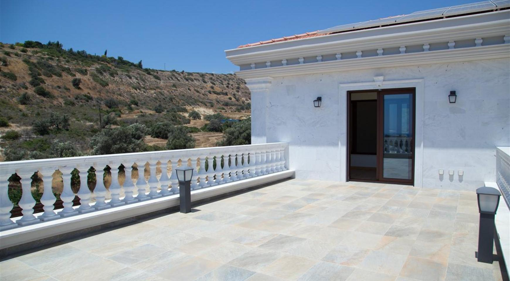 Exclusive 6 Bedroom Villa with Amazing Sea and Mountain Views - 45