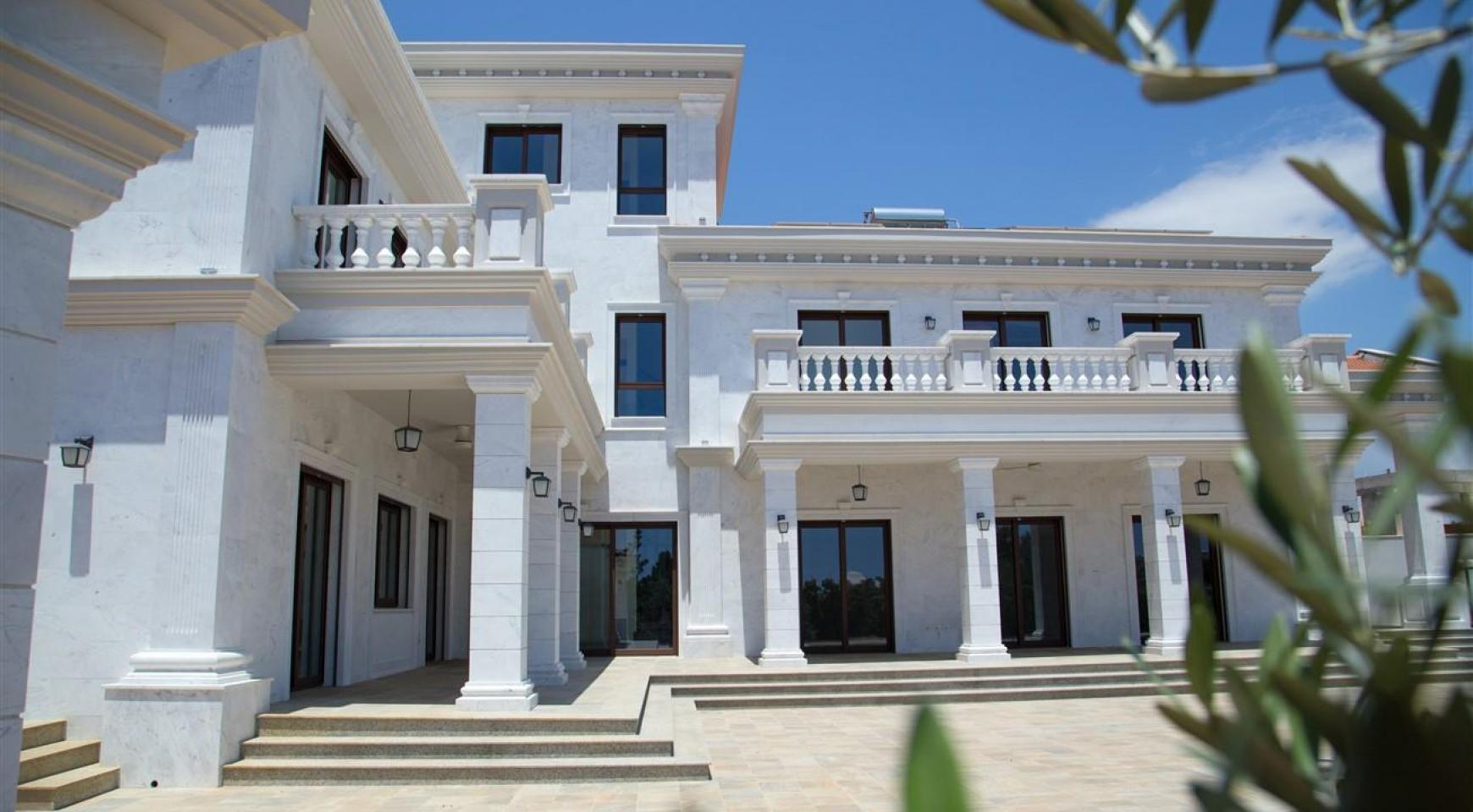 Exclusive 6 Bedroom Villa with Amazing Sea and Mountain Views - 1