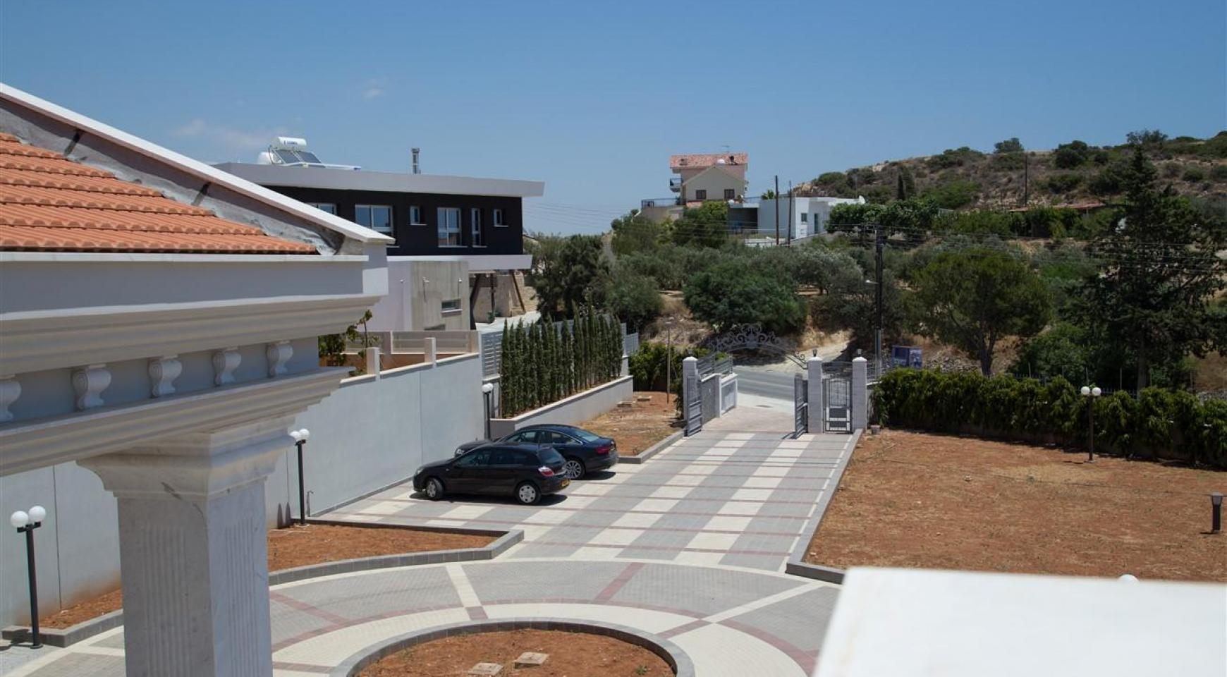 Exclusive 6 Bedroom Villa with Amazing Sea and Mountain Views - 38