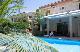 Luxurious 4 Bedroom Villa near the Sea - 89