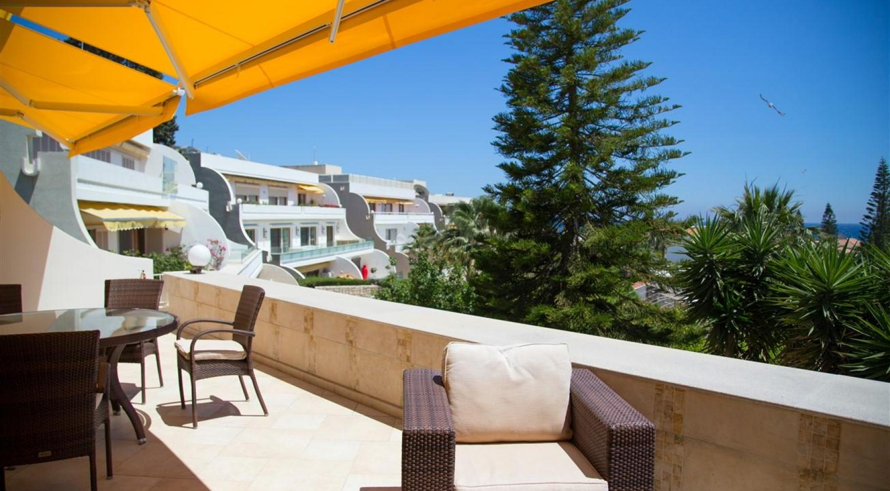 Cozy and Spacious 3 Bedroom Apartment Thera 102 by the Sea - 24