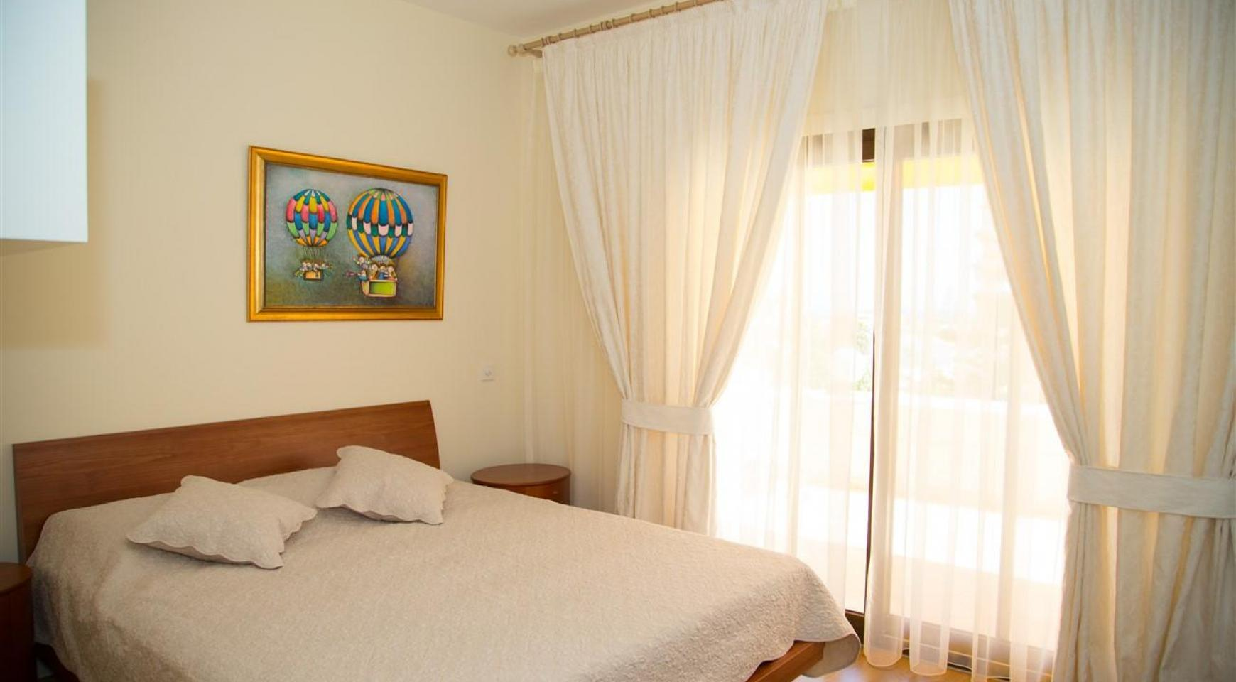 Cozy and Spacious 3 Bedroom Apartment Thera 102 by the Sea - 15
