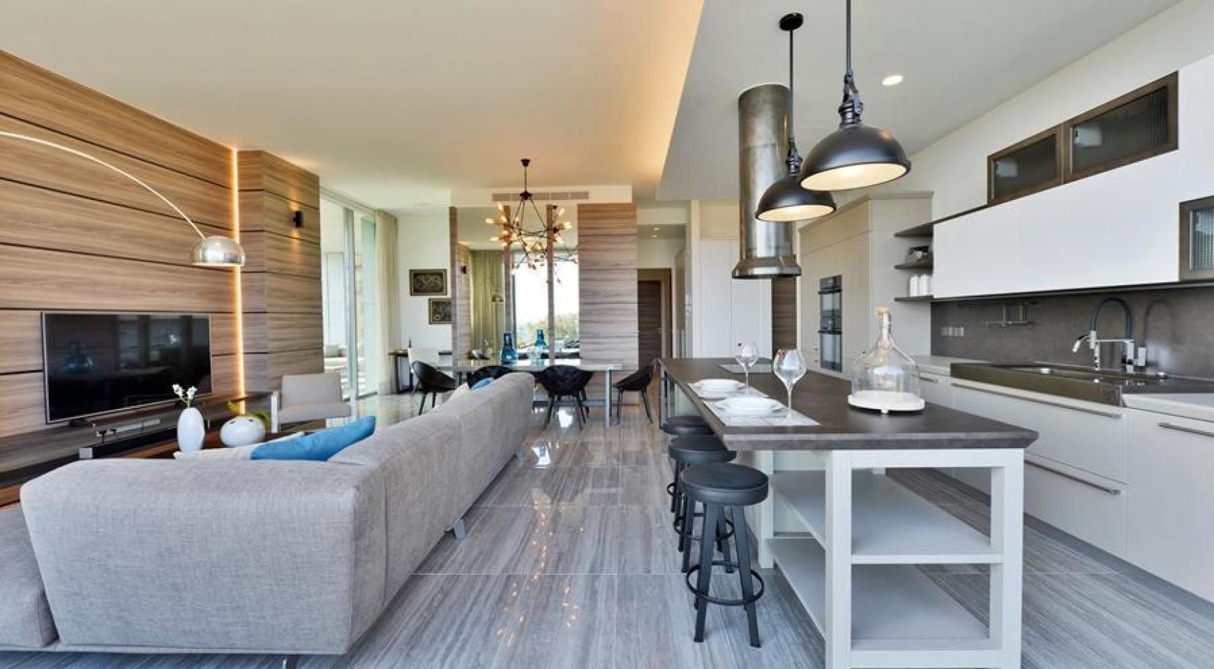 Luxurious Duplex Apartment with Private Roof Garden near the Sea - 2
