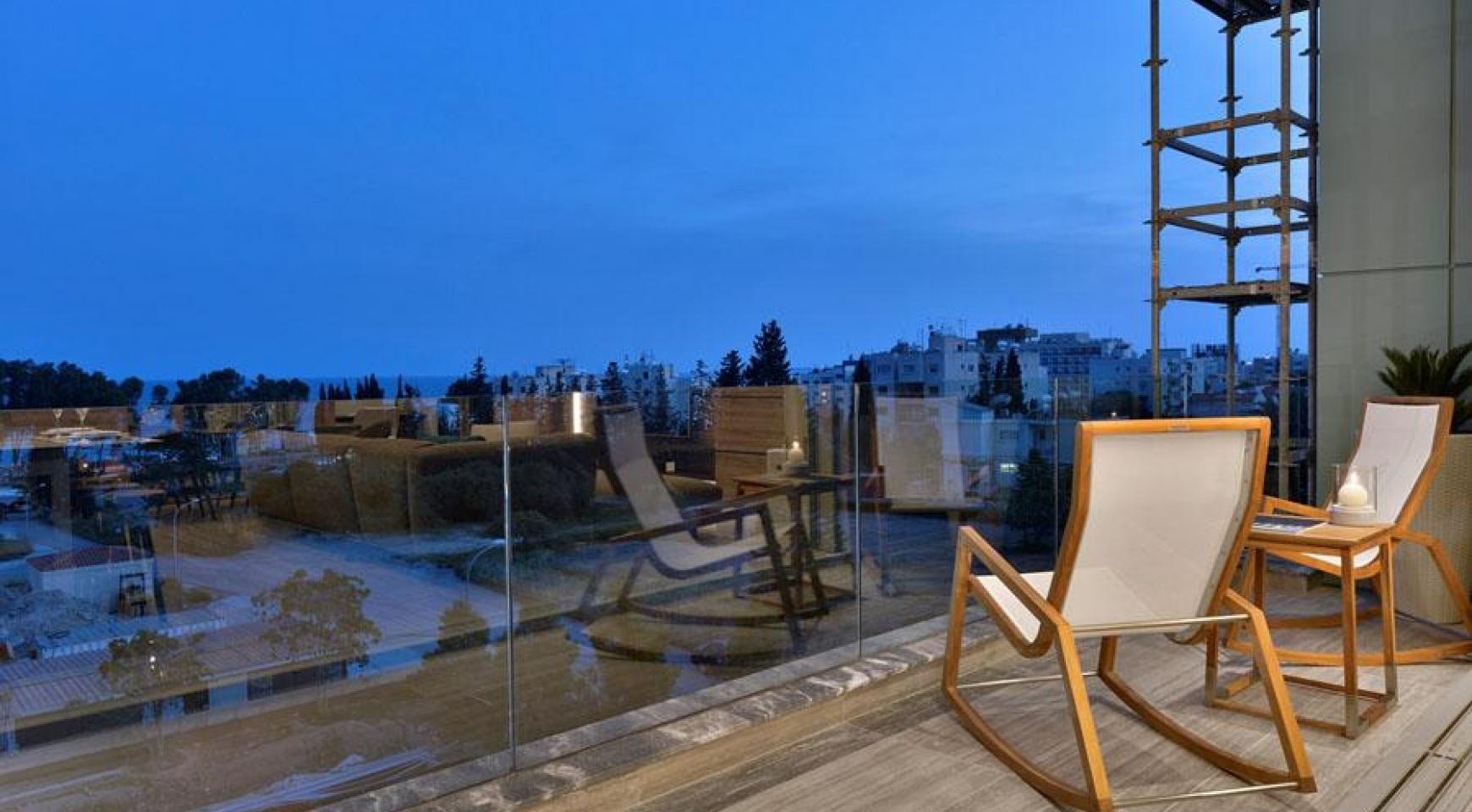 Luxurious Duplex Apartment with Private Roof Garden near the Sea - 14
