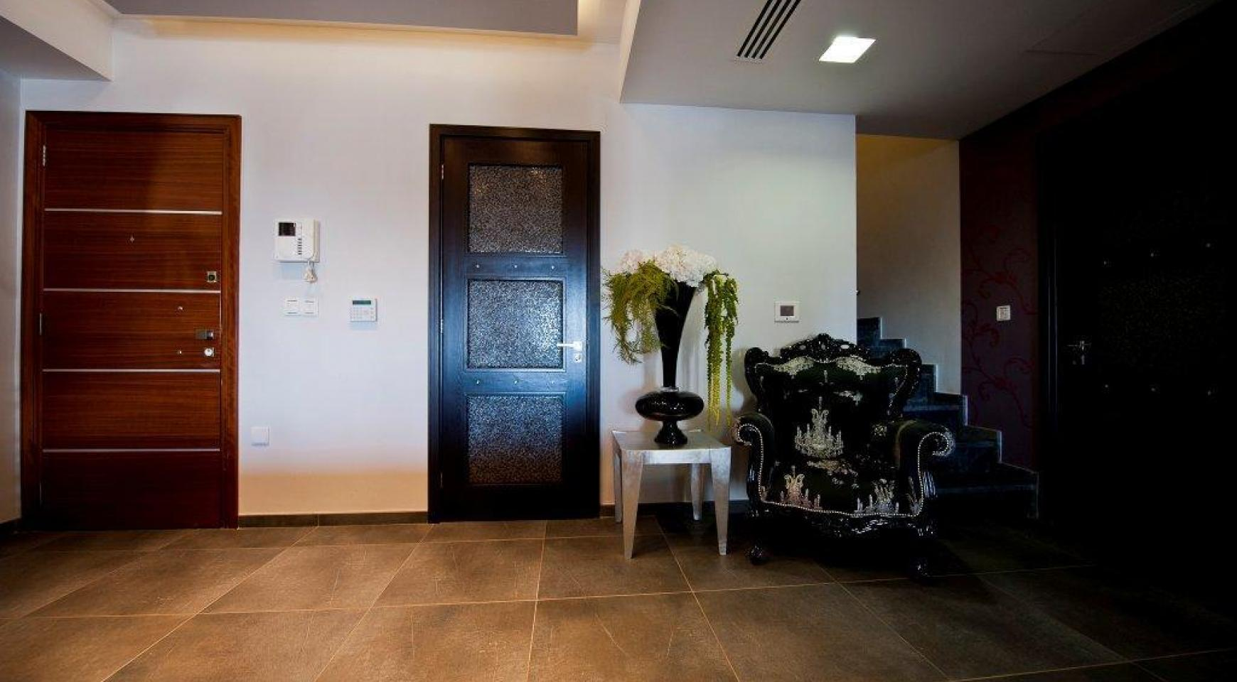 Exclusive 3 Bedroom Penthouse in the City Centre - 7