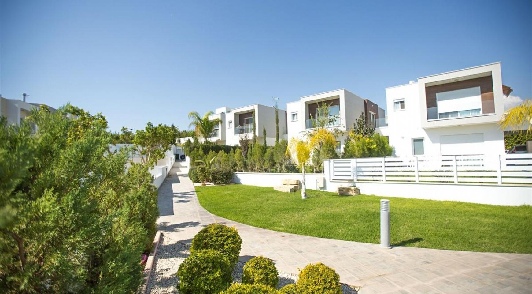 Modern 3 Bedroom Villa with Sea Views in Mouttagiaka Area - 12