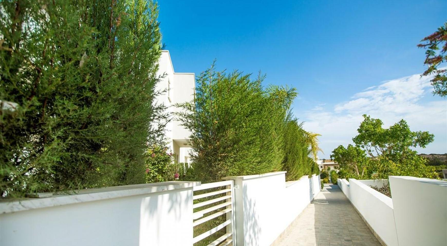 Modern 3 Bedroom Villa with Sea Views in Mouttagiaka Area - 6