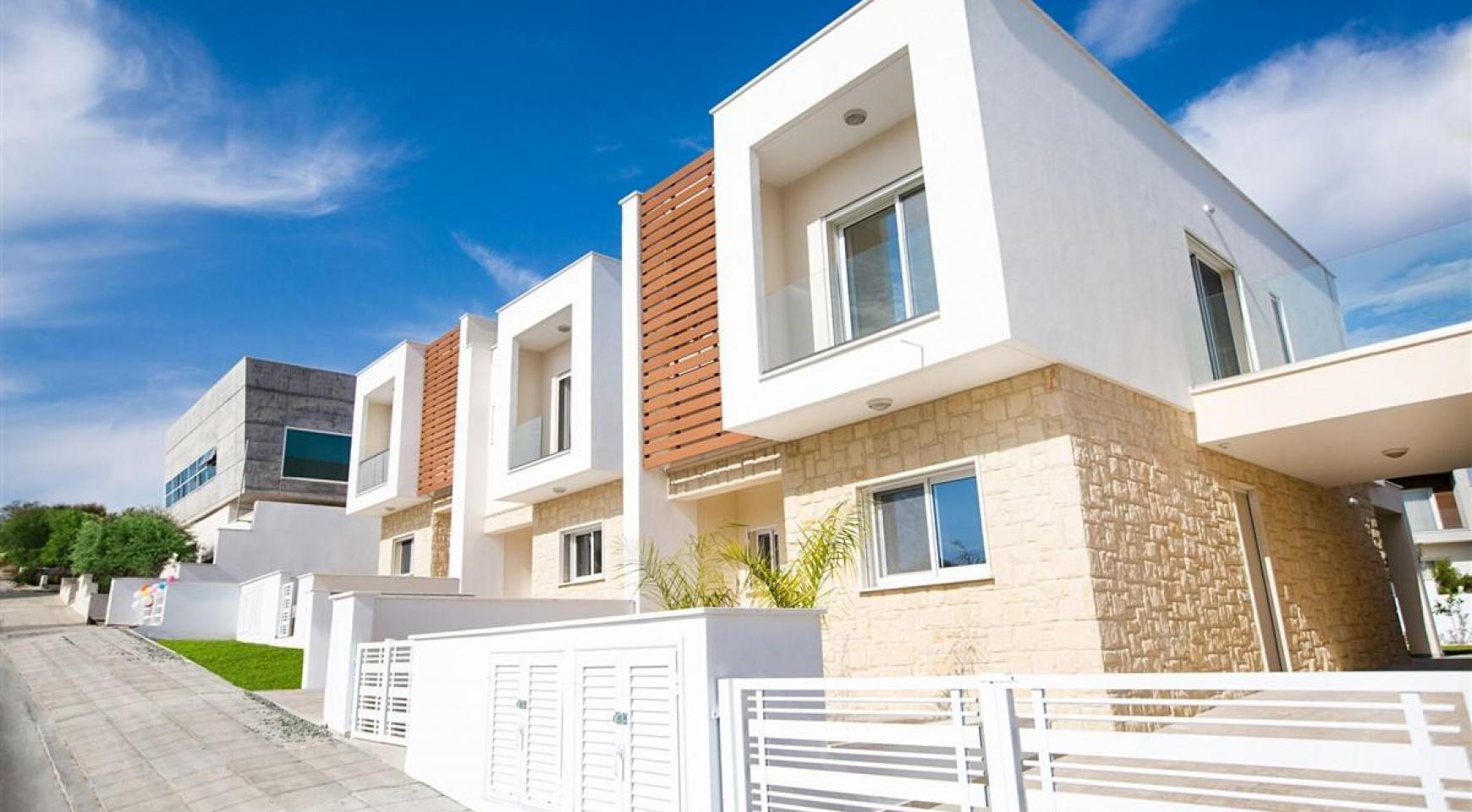 Modern 3 Bedroom Villa with Sea Views in Mouttagiaka Area - 13