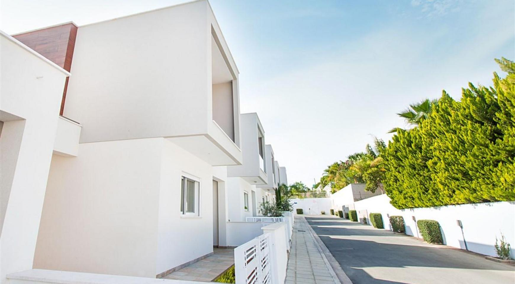 Modern 3 Bedroom Villa with Sea Views in Mouttagiaka Area - 20