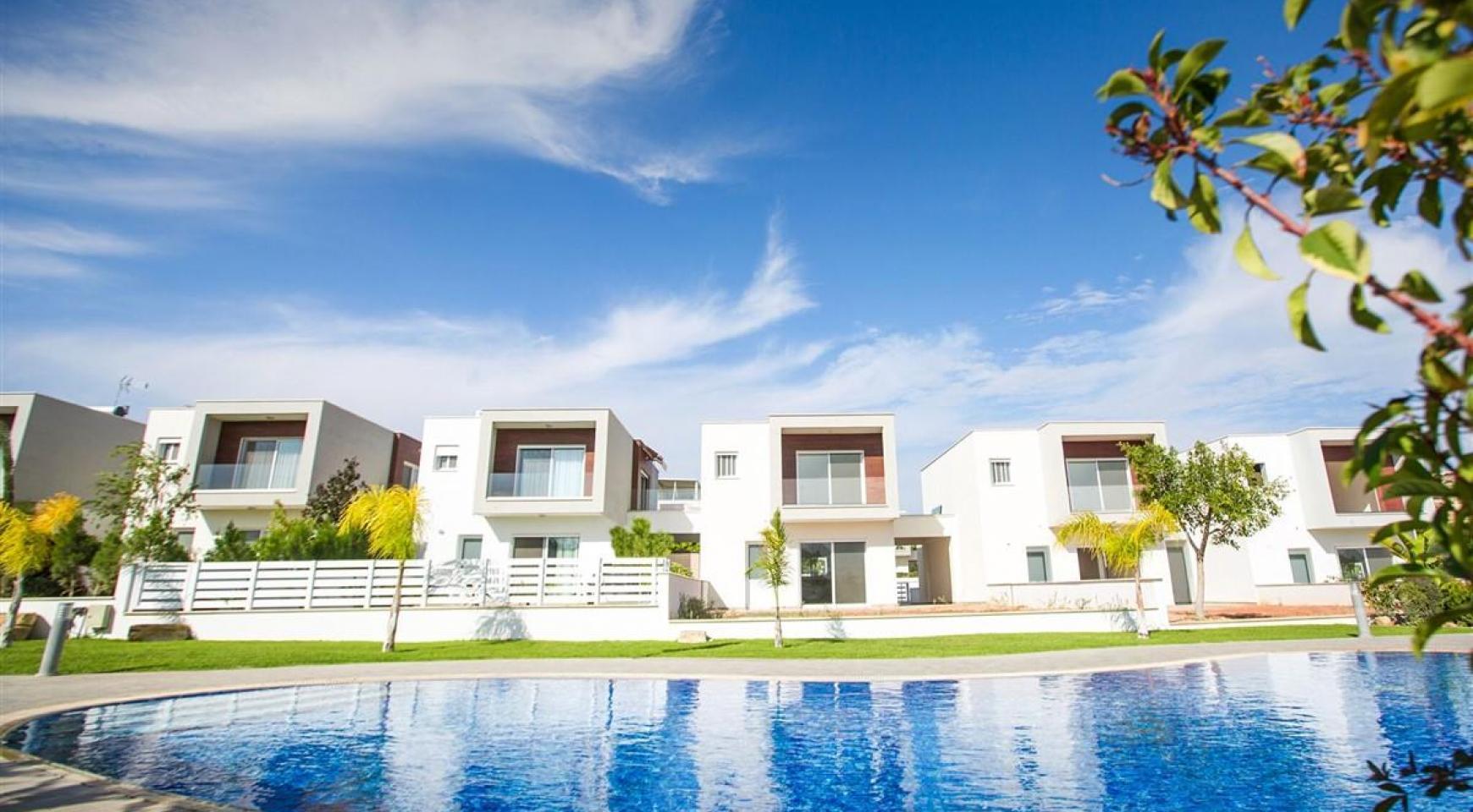 Modern 3 Bedroom Villa with Sea Views in Mouttagiaka Area - 4